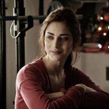 Miriam Leone è Sofia in una scena di Fratelli Unici