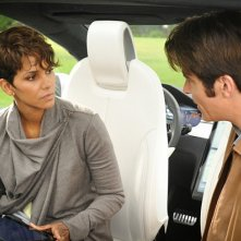 Extant: Halle Berry e Goran Visnjic nell'episodio Before the Blood