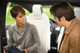 Extant: Halle Berry e Goran Visnjic nell'episodio Before the Blood