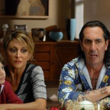 Un natale stupefacente: Paola Minaccioni con Paolo Calabresi in una scena del film