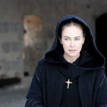 Romeo e Giulietta: Elena Sofia Ricci nei panni de La Balia in una scena