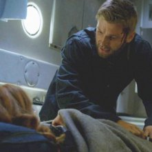 Under the Dome: Rachelle Lefevre insieme a Mike Vogel nell'episodio Black Ice