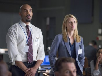 Homeland: Hank Wonham e Claire Danes nell'episodio The Drone Queen