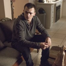 Homeland: una scena con Rupert Friend nell'episodio Trylon and Perisphere