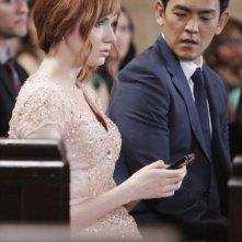 Selfie: Karen Gillan con John Cho nella premiere della serie