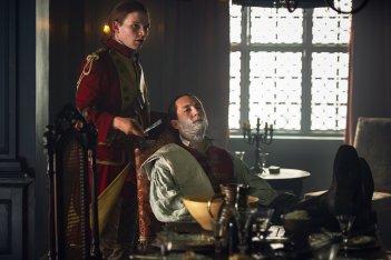 Outlander: una scena con Tobias Menzies nell'episodio The Garrison Commander