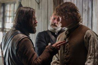 Outlander: Graham McTavish eh Sam Heughan nell'episodio The Wedding
