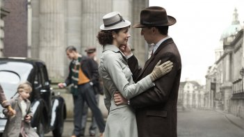 Outlander: Caitriona Balfe e Tobias Menzies nell'episodio The Wedding