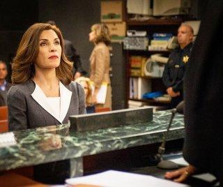 The Good Wife: un'immagine di Julianna Margulies nell'episodio The Line