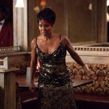 Gotham: un'immagine di Jada Pnikett-Smith nell'episodio Selina Kyle