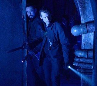The Strain: Kevin Durand e Corey Stoll nell'episodio The Third Rail