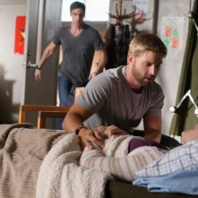 Under the Dome: Eddie Cahill con Mike Vogel nell'episodio Turn