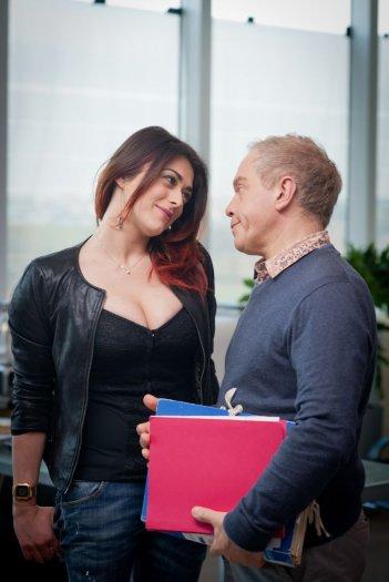 Valentina Lodovini con Marco Marzocca in una scena di Buoni a nulla