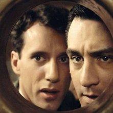 C'era una volta in America: James Woods e Robert De Niro in una scena