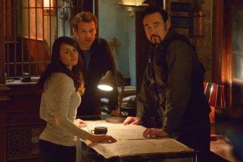 The Strain: Mia Maestro, Kevin Durand e Corey Stoll nell'episodio Last Rites