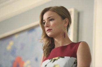 Revenge: Emily VanCamp nell'episodio Renaissance