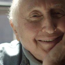 Seymour: An Introduction - Il sorriso contagioso del grande pianista Seymour Bernstein in una scena del documentario