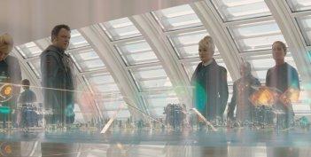 Guardiani della Galassia: Glenn Close con John C. Reilly in una scena del film