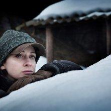 Kseniya Rappoport in una scena de La foresta di ghiaccio