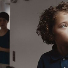 Last Summer: Rinko Kikuchi insieme al piccolo Ken Brady in una scena del film