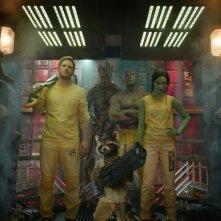 Guardiani della Galassia: Chris Pratt, Zoe Saldana, Dave Bautista, Groot e Rocket in una scena