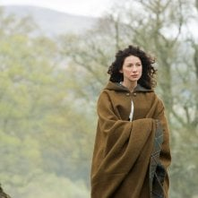 Outlander: Caitriona Balfe in una scena dell'episodio Both Sides Now