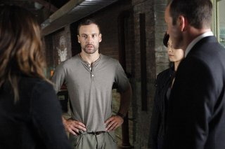 Agents of S.H.I.E.L.D.: Nick Blood nell'episodio Heavy Is the Head
