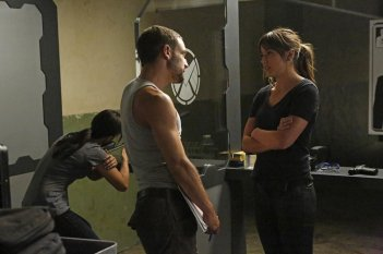 Agents of S.H.I.E.L.D.: Chloe Bennet nell'episodio Making Friends and Influencing People