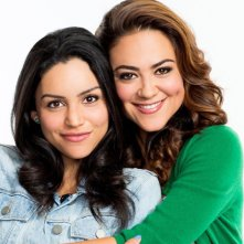 Happyland: Bianca Santos e Camille Guaty in un'immagine promozionale