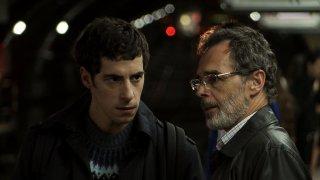 Lo studente: Esteban Lamothe con Ricardo Felix in una scena