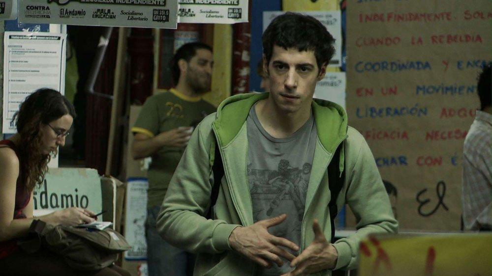 Esteban Lamothe in una scena del film argentino Lo studente