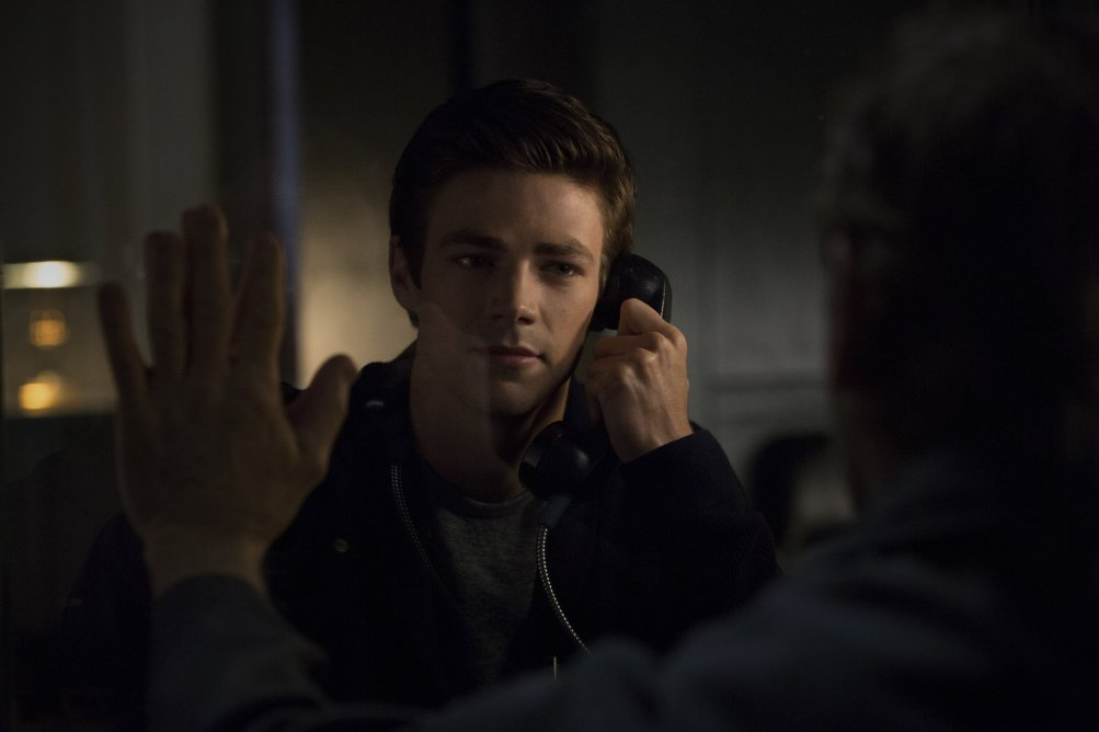 The Flash: Grant Gustin nell'episodio City of Heroes