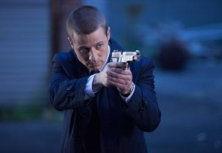 Gotham: Ben McKenzie in una scena della puntata The Balloonman