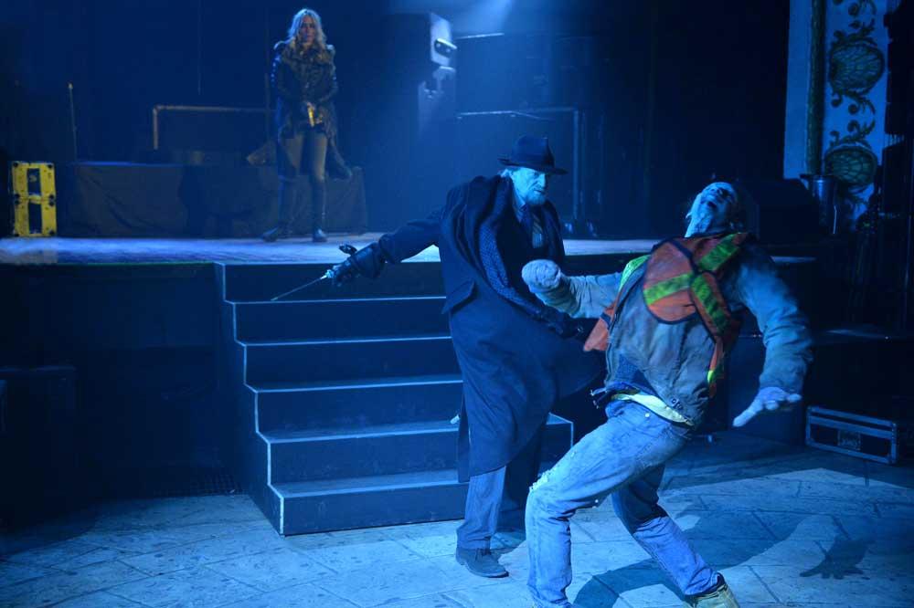 Setrakian Kill Strigoi Episode 13 The Strain