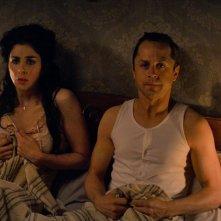 Un milione di modi per morire nel West: Sarah Silverman con Giovanni Ribisi in una scena