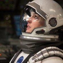 Anne Hathaway nei panni di Brand in una scena di Interstellar
