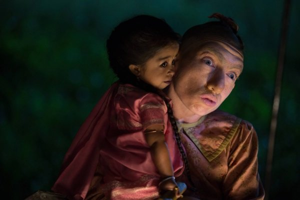 American Horror Story Freak Show: Naomi Grossman e Jyoti Amge in Monsters Among Us