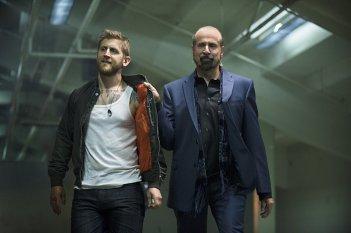 Arrow: Peter Stormare e Primo Allon in The Calm