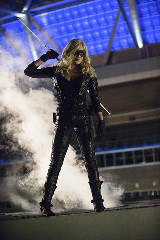 Arrow: Caity Lotz in una scena della puntata The Calm