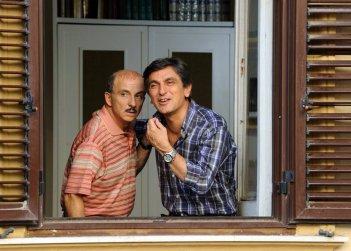 ...E fuori nevica!: Vincenzo Salemme insieme a Carlo Buccirosso in una scena