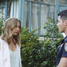 Revenge: Emily VanCamp e Brian Hallisay in una scena di Disclosure