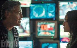 Tomorrowland - George Clooney e Britt Robertson in una delle prime immagini diffuse da Empire Magazine