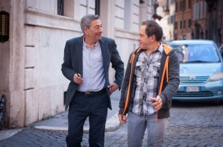 Buoni a nulla: Gianni di Gregorio con Marco Marzocca in una scena della commedia