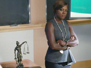 How To Get Away With Murder: Viola Davis in una scena della puntata Smile, or Go to Jail