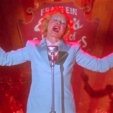 Jessica Lange in Monsters Among Us primo episodio di American Horror Story - Freakshow