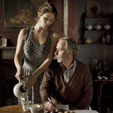 Gemma Bovery: Gemma Arterton insieme al co-protagonista Fabrice Luchini in una scena