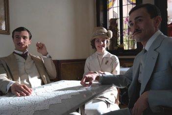 Fango e Gloria: Eugenio Franceschini con Valentina Corti e Francesco Martino in una scena