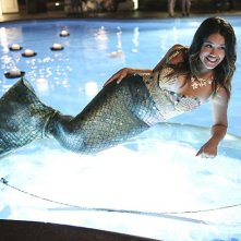 Jane The Virgin: Gina Rodriguez in una scena della puntata Chapter One
