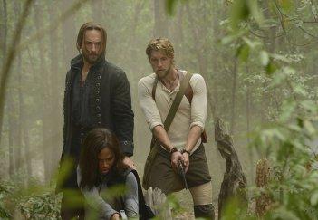 Sleepy Hollow: Tom Mison, Nicole Beharie e Matt Barr in Go Where I Send Thee...