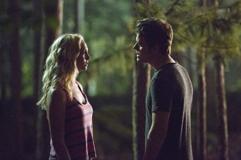 The Vampire Diaries: Candice Accola e Paul Wesley nella puntata Welcome To Paradise